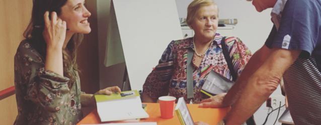 """Nina da Lua presenta el llibre """"Hoy es primavera"""""""